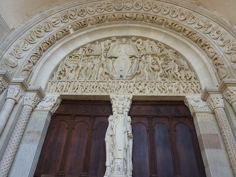 West portal, tympanum with Last Judgment by Gislebertus, Cathedral of Saint-Lazare, c. 1120-1135, Atun France.  Photo by Henri Moreau, Creative Commons license, via Wikimedia Commons.
