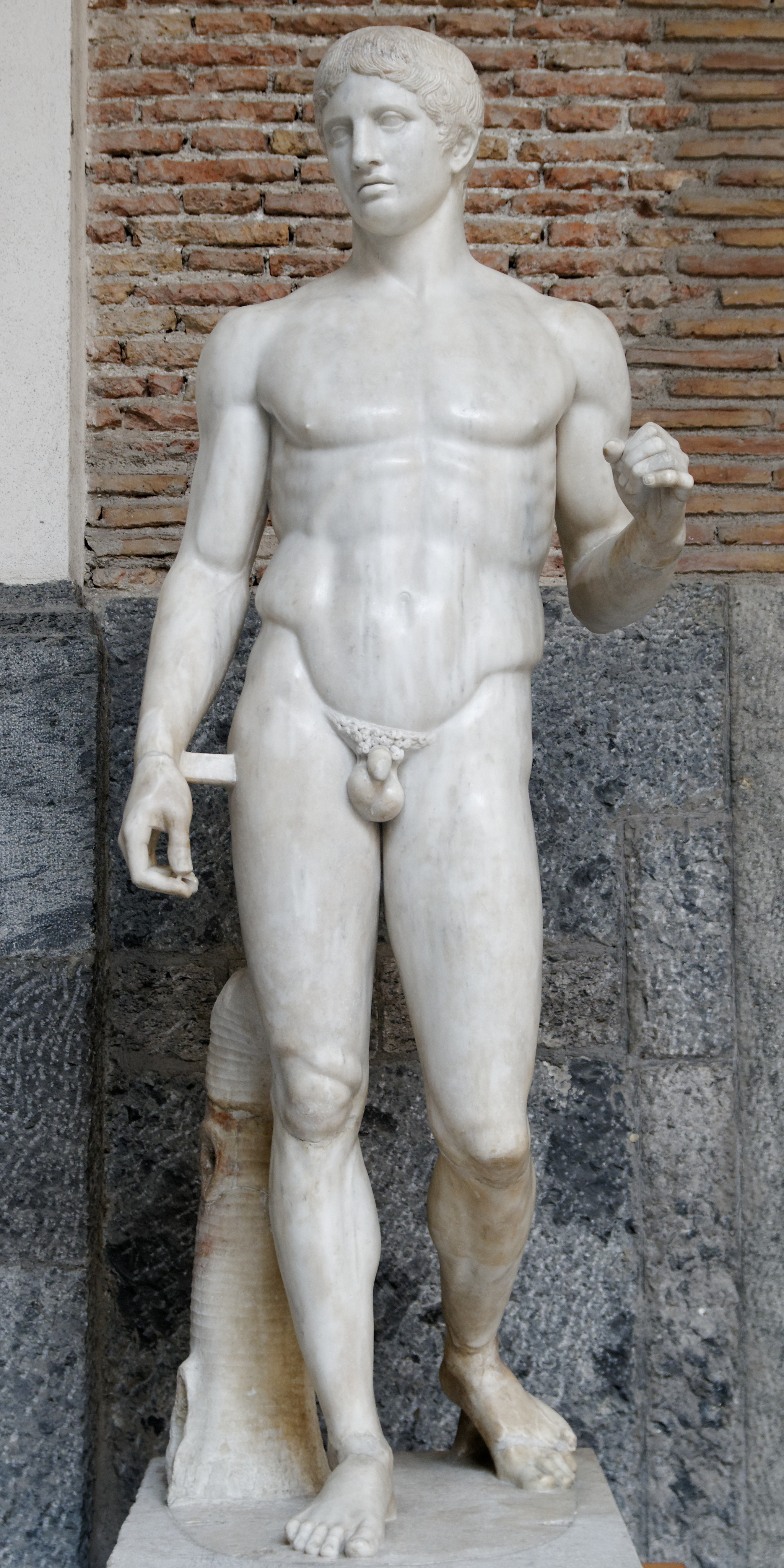 """Doryphoros, Roman copy after an original by Polykleitos from c. 450-440 BCE, 6'6"""" high, Museo Archeologico Nazionale, Naples, Public Domain via Wikimedia Commons."""