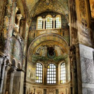 Interior of San Vitale, 526-547 CE, Ravenna, Italy, Photo by Peer.Gynt via Flickr, Creative Commons Attribution-NonCommercial 2.0 ShareAlike License.