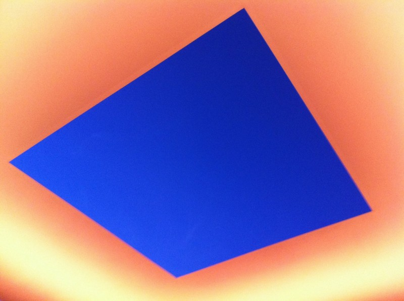 James Turrell, Skyspace, Air Apparent, ASU Campus, Tempe, AZ, Photo by pweil via Flickr, Creative Commons Attribition Non-Commercial 2.0 Generic License.