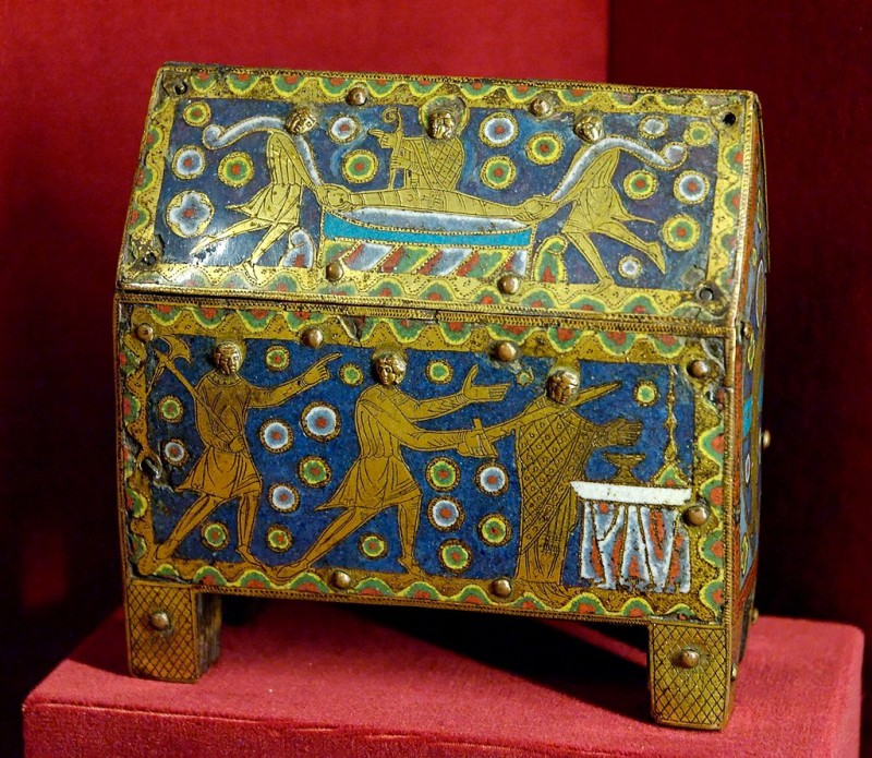 Reliquary of St. Thomas Becket, first quarter of the 12th century, Champlevé copper, engraved, chased, enameled and gilt, Musée national du Moyen Âge, Paris, Photo by Marie-Lan Nguyen via Wikimedia Common, Artwork in the Public Domain.