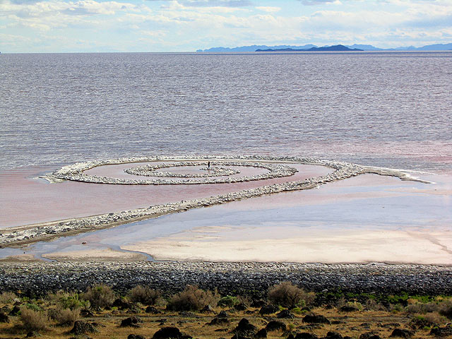 "Robert Smithson, Spiral Jetty, 1970, mud, salt crystals, rock, 15' 1"" x 1,509', Great Salt Lake, Box Elder, Utah, Photo by Michael David Murphy, [Public Domain] via Wikimedia Commons."